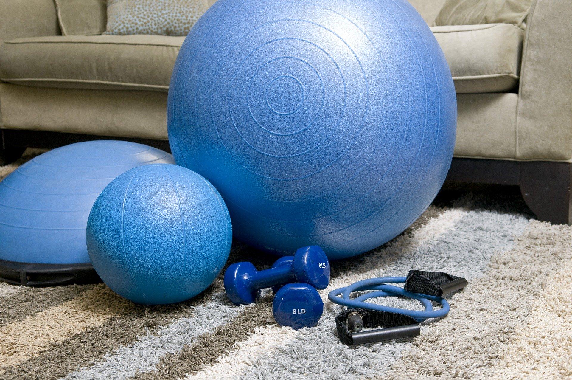 Trening w domu – 4 sposoby na pogodzenie treningu z ojcostwem.