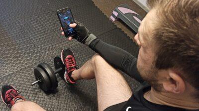 Aplikacja sportowa na telefon – 5 najlepszych aplikacji na sam początek